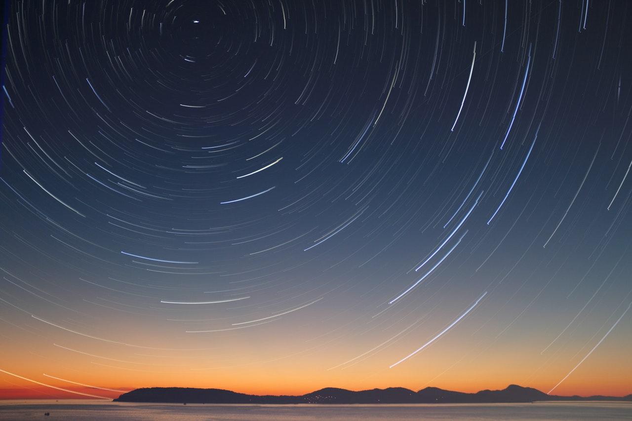 Olga Tokarczuk -konstelacyjny układ świata na przykładzie nieba